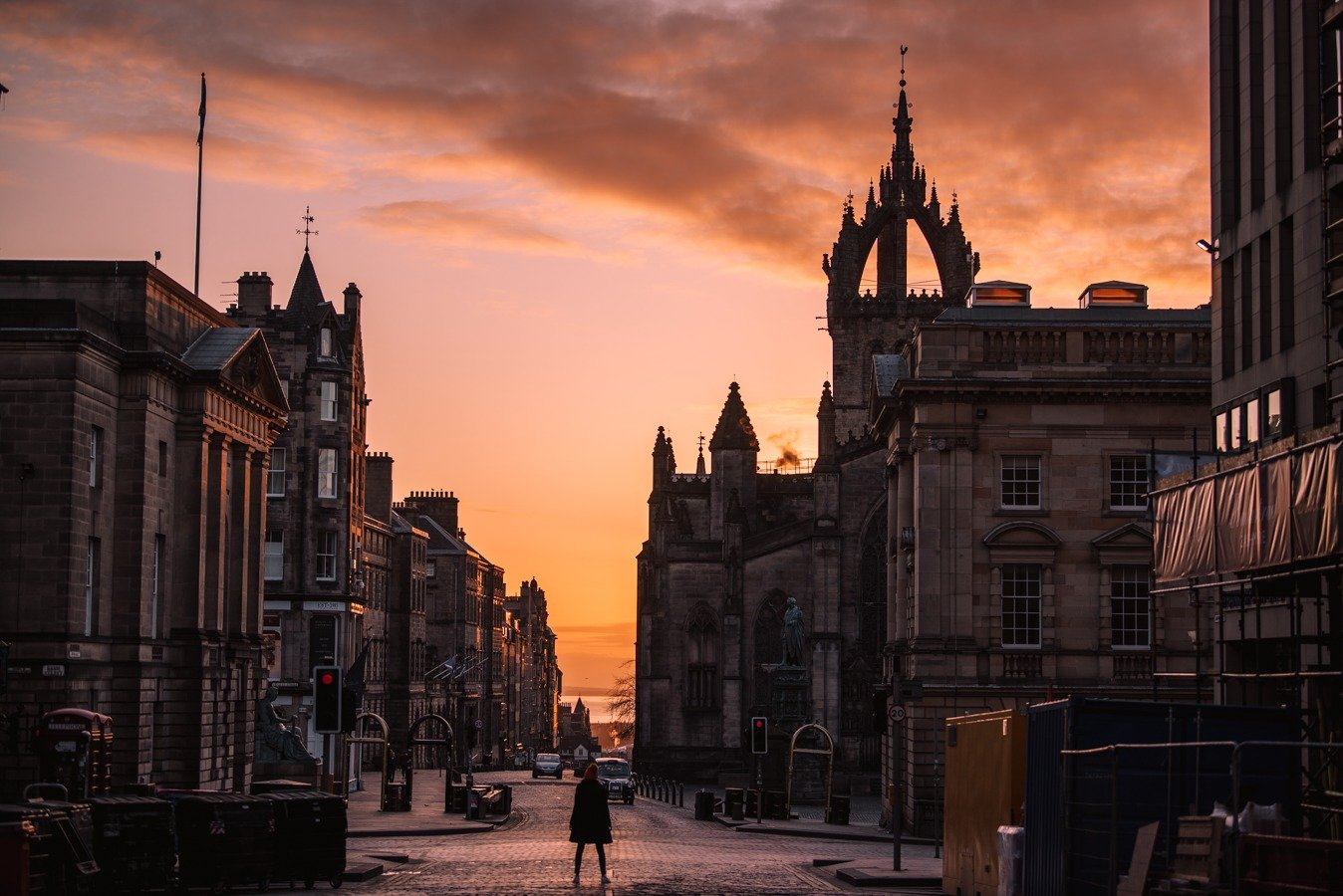 The royal mile in Edinburgh is one of the best things to do.