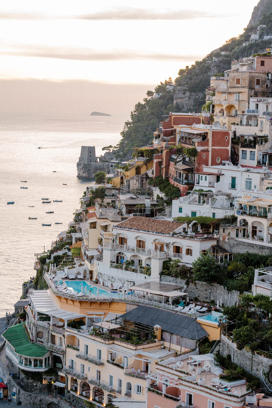 Find out where to take the best photos in Positano. Positano is one of the pretties towns on the Amalfi Coast