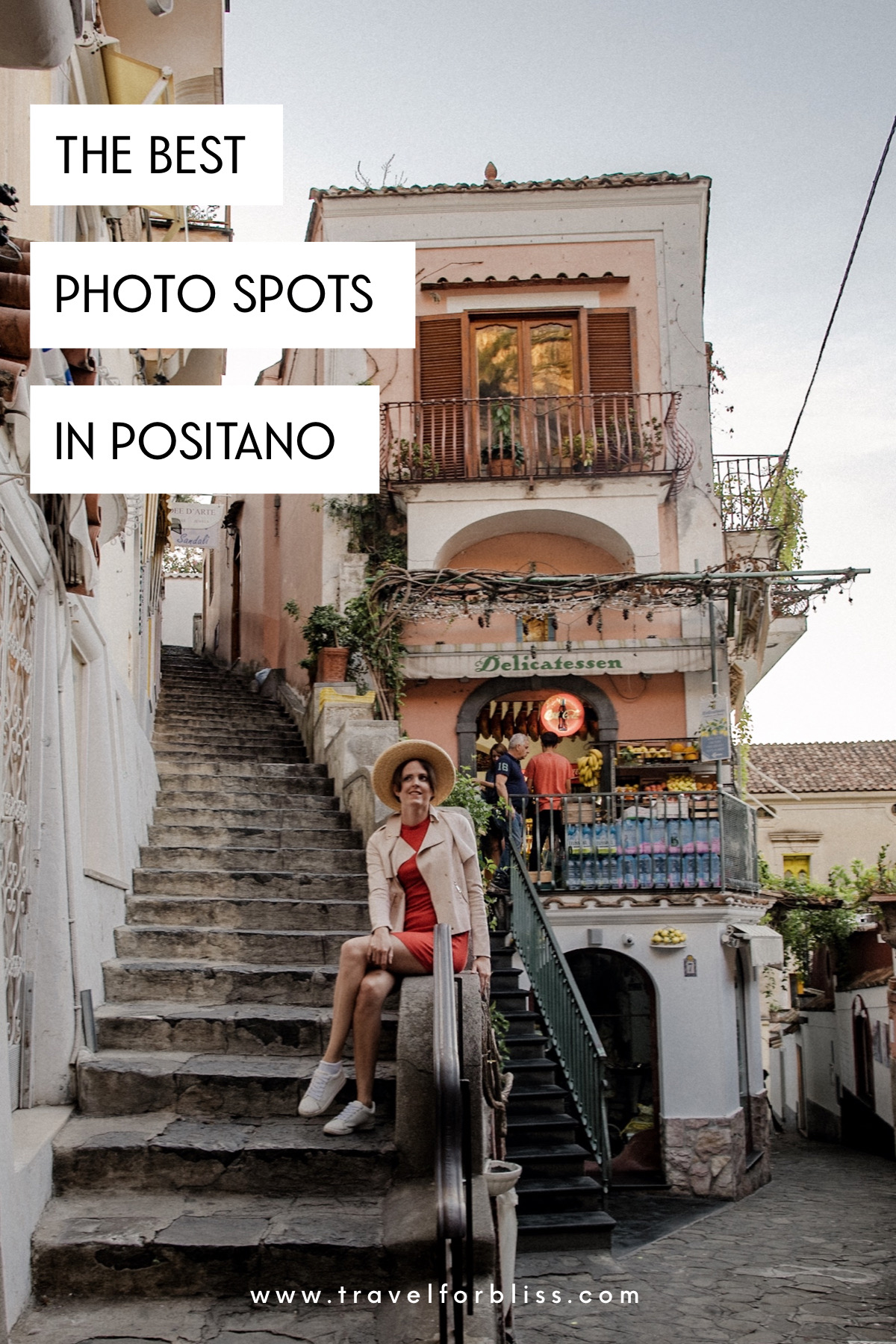 Discover the best photo spots in Positano with this photo guide. Positano is a beautiful town with many photo opportunities.