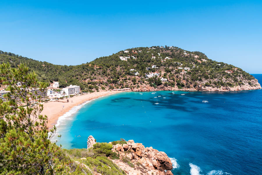 Visiting a Beach club in Ibiza can be one of the best things to do on the Island. It's an easy way to relax while listening to great music and eating delicious food.