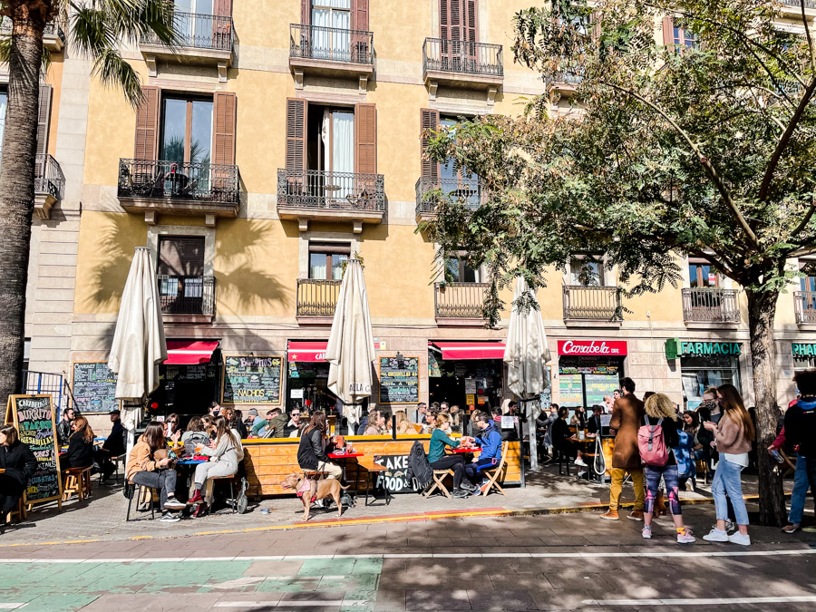 Carabela Cafe has delicious tex mex food and casual outdoor dining in Barcelona