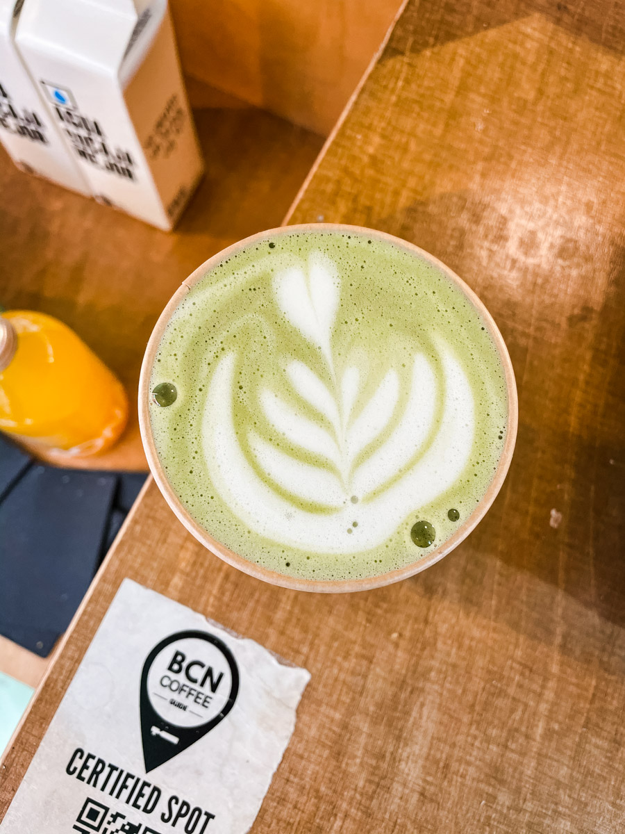 Barcelona has many great cafes. Candela Canela does some of the best coffee in Barcelona. They also do some of the best chair and matcha lattes in Barcelona