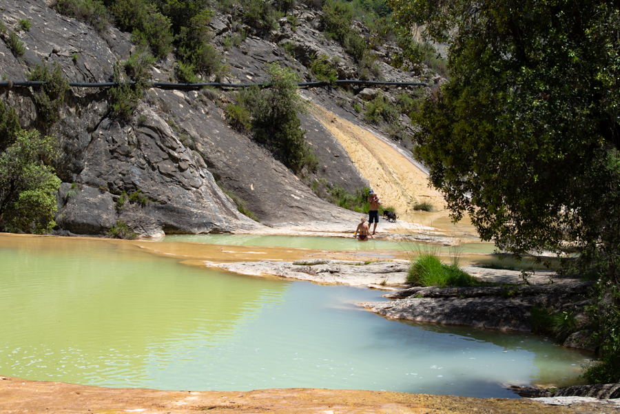 Discover the best easy hikes in Aragon.